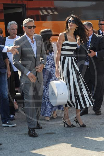 Amal Alamuddin, George Clooney - Venezia - 26-09-2014 - Tutte in riga black&white come Amal Alamuddin!