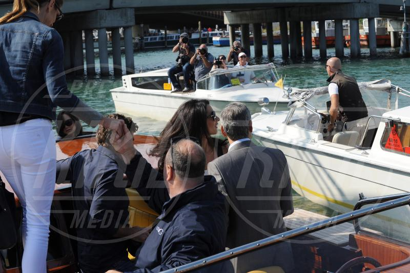 Amal Alamuddin, Cindy Crawford, George Clooney - Venezia - 26-09-2014 - George Clooney e Amal in laguna: che la festa abbia inizio!