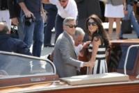 Amal Alamuddin, George Clooney - Venezia - 26-09-2014 - Amal e George: Hello! e People svelano l'abito della sposa