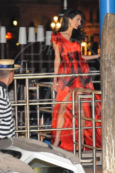 Amal Alamuddin - Venezia - 26-09-2014 - Amal Clooney si è lasciata il sorriso alle spalle...