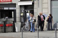 Barbara Snellenburg - Milano - 29-09-2014 - Star come noi, Barbara Snellenburg alle prese con il bancomat