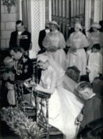 Principe Ranieri di Monaco, Grace Kelly - 15-09-1982 - Amal e George: Hello! e People svelano l'abito della sposa