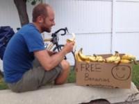 Rob Greenfield - New York - 11-08-2014 - Rob Greenfield, l'uomo che mangia gli scarti altrui