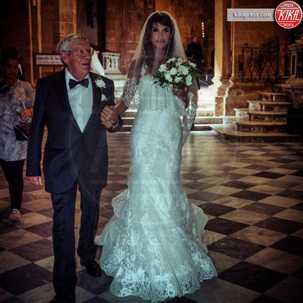 Cesare Canalis, Elisabetta Canalis - Alghero - 01-10-2014 - Amal e George: Hello! e People svelano l'abito della sposa