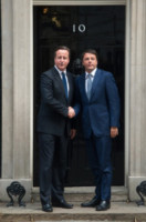 "Matteo Renzi, David Cameron - Londra - 02-10-2014 - Matteo Renzi a Londra: ""Io sto con Hollande, basta austerity"""