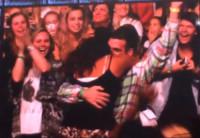 02-10-2014 - Gli One Direction cedono la scena a una proposta di matrimonio