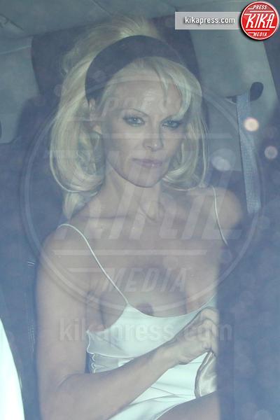 Pamela Anderson - Los Angeles - 02-10-2014 - Rihanna & Co.: quando le star vanno fuori di seno