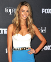 Jennifer Hawkins - Sydney - 02-10-2014 - Top Crop & company: pancini al vento sul red carpet