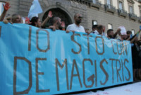 Panoramica, Esterni, Manifestanti - Napoli - 03-10-2014 - Un flash mob per De Magistris: