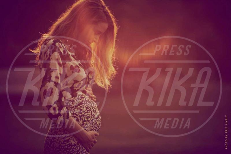 Blake Lively - Los Angeles - 06-10-2014 - Blake Lively è incinta: ecco la foto del pancione