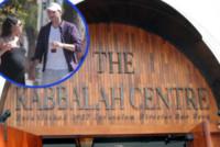 Kabbalah Centre - Beverly Hills - 11-03-2006 - Mila Kunis e Ashton Kutcher, per Wyatt battesimo alla Kabbalah