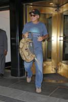 George Clooney - New York - 09-10-2014 - George Clooney al settimo cielo con la sua fede al dito