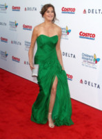 Teri Hatcher - Los Angeles - 11-10-2014 - Volete essere trendy? Allora dovete essere Verde Greenery!