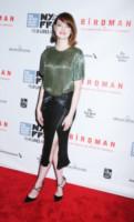 Emma Stone - New York - 11-10-2014 - Le gambe: elementi di fascino da ostentare anche d'inverno