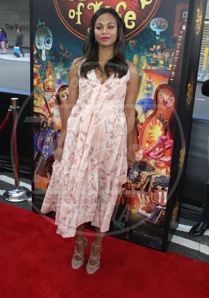 Zoe Saldana - Los Angeles - 12-10-2014 - Il pancione è sempre più sexy sul red carpet!
