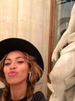 Beyonce Knowles - Parigi - 13-10-2014 - Helfie, belfie, welfie: le nuove frontiere dell'autoscatto