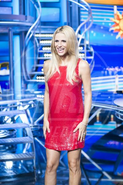 Michelle Hunziker - Milano - 13-10-2014 - Il pancione è sempre più sexy sul red carpet!