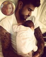 Christian Massella, Arya Massella - I neonati diventano star in rete grazie al Childbirth-selfie