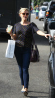 Reese Witherspoon - Los Angeles - 17-10-2014 - Primavera francese: largo a pois e quadretti Vichy!