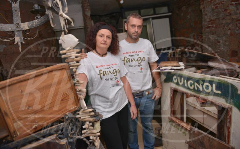 Emanuele Fameli, Angela Squillace - Genova - 19-10-2014 - Dai diamanti non nasce niente, dal fango nasce l'amore