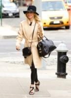 Naomi Watts - New York - 20-10-2014 - L'autunno è alle porte: è tempo di trench!