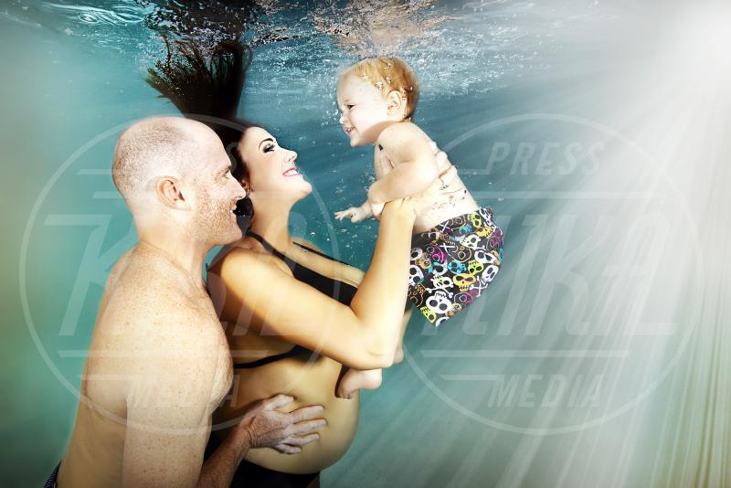 Adam Opris, Atmosphere - Shooting subacqueo - South Florida - 21-10-2014 - Altro che sulle cover! Le foto dei pancioni si fanno sott'acqua!
