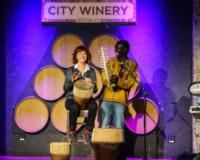 Okello Sam, Susan Sarandon - New York - 22-10-2014 - Russell Crowe & Co., quando l'attore diventa musicista