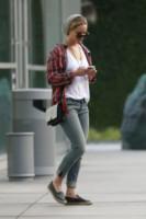 Jennifer Lawrence - Los Angeles - 22-10-2014 - Anche in autunno, lo stile scozzese non passa mai di moda