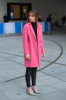 Alex Jones - Londra - 10-10-2014 - Inverno grigio? Rendilo romantico vestendoti di rosa!