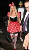 Paris Hilton - Los Angeles - 24-10-2014 - Elisabetta Canalis per Halloween si veste da sexy Dorothy di Oz