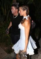 Brian Perri, Elisabetta Canalis - Los Angeles - 24-10-2014 - Elisabetta Canalis per Halloween si veste da sexy Dorothy di Oz