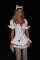 Susan Holmes McKagan - Los Angeles - 25-10-2014 - Elisabetta Canalis per Halloween si veste da sexy Dorothy di Oz