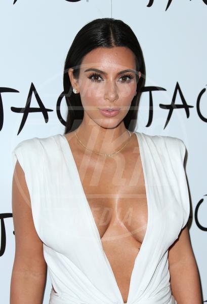 Kim Kardashian - Las Vegas - 25-10-2014 - Non solo lato B! Overkim prende la vita… di petto!