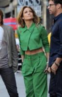 Harry Connick Jr, Jennifer Lopez - Los Angeles - 28-10-2014 - Gli addominali di Jennifer Lopez sono scolpiti nella pietra