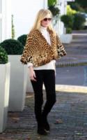 Kate Moss - Londra - 28-10-2014 - Kate Moss, non è tutto nero quel che indossa…