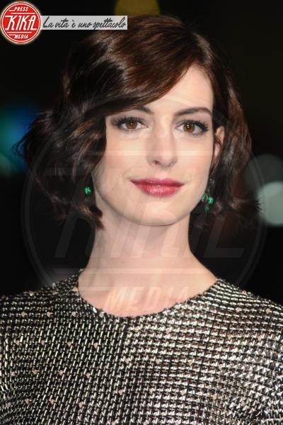 Anne Hathaway - Londra - 29-10-2014 - Quando le celebrity ci danno un taglio… ai capelli!