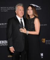 LIsa Hoffman, Dustin Hoffman - Beverly Hills - 30-10-2014 - Emma Watson ruba la scena a tutti ai BAFTA Awards 2014