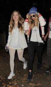 Lila Grace Moss, Kate Moss - Londra - 01-11-2014 - Tale madre tale figlia, giovanissima: la riconosci?