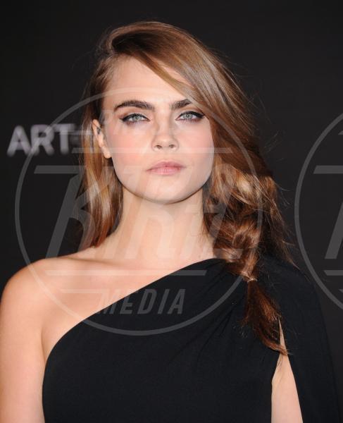 Cara Delevingne - Los Angeles - 01-11-2014 - Le sopracciglia folte sono il nuovo trend