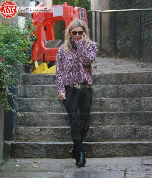 Kate Moss - Londra - 31-10-2014 - Calda e colorata: è la Venere in ecopelliccia!