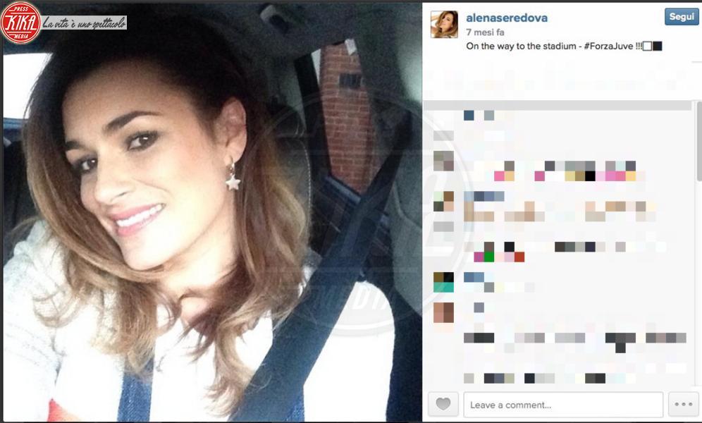 Alena Seredova - 02-11-2014 - Selfie al volante: le vip si immortalano alla guida