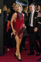 Elsa Pataky - Madrid - 05-11-2014 - Natale 2014: ritorna il rosso, di sera e anche di giorno
