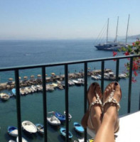 Anna Safroncik - Milano - 08-11-2014 - A piedi nudi da te: le star mostrano i loro piedini