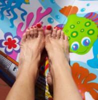 Alessia Fabiani - Milano - 08-11-2014 - A piedi nudi da te: le star mostrano i loro piedini