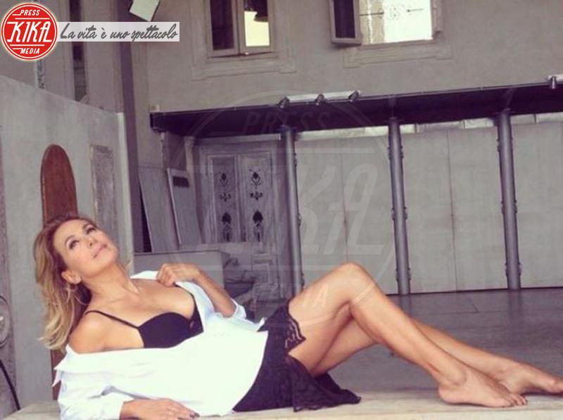 Barbara D'Urso - Milano - 08-11-2014 - A piedi nudi da te: le star mostrano i loro piedini