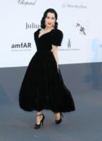 Dita Von Teese - Cannes - 23-05-2013 - Morbido, caldo, sontuoso: è il velluto, bellezza!