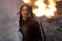 Jennifer Lawrence - Hunger Games, J-Law e soci pronti al canto della rivolta