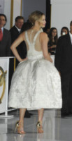 Jennifer Lawrence - Los Angeles - 17-11-2014 - Jennifer Lawrence, la scarpetta di Cenerentola è troppo grande