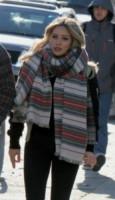 Hilary Duff - New York - 20-11-2014 - Con sto freddo con sto vento, chi esce senza sciarpa?