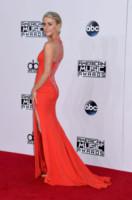 Julianne Hough - Los Angeles - 24-11-2014 - AMA's 2014: Vade retro abito! Ecco le scelte delle star